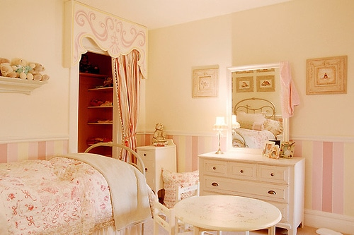 Whimsical & Tasteful Children's Rooms