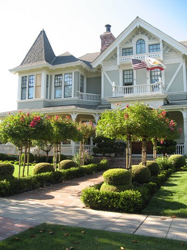 Beautiful Exterior Home Design Trends: Old Looking New Houses: The Charm Of Yesteryear