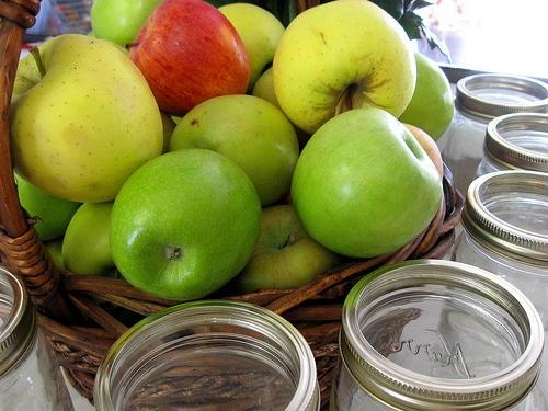 Apple Pie Recipe {A Pie in a Jar Hostess Gift!}