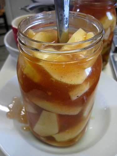 Apple Pie Recipe {A Pie in a Jar Hostess Gift!}