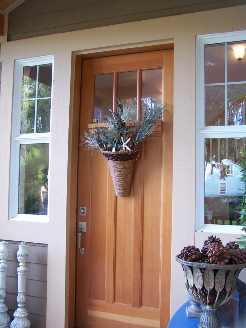 Fall to winter front door decor the inspired room for Front door decor