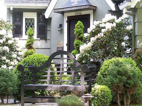 Spring is here! Create a welcoming front porch!