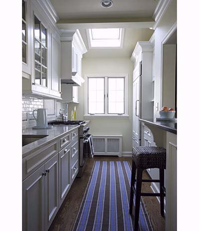 Love: Striped Rugs in White Kitchens