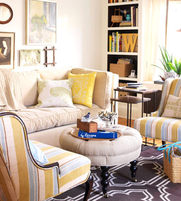 cozy-living-room-with-pop-of-yellow