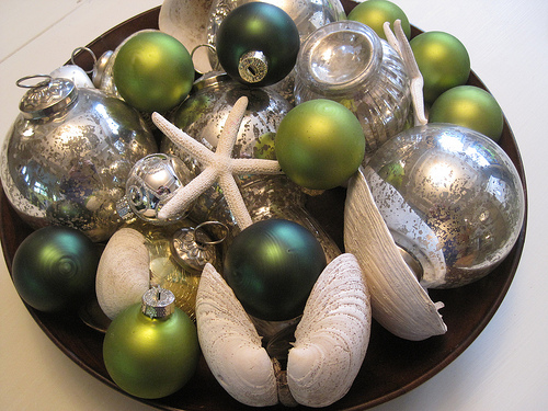 Decorative Idea for Christmas <br> {using bits and pieces}