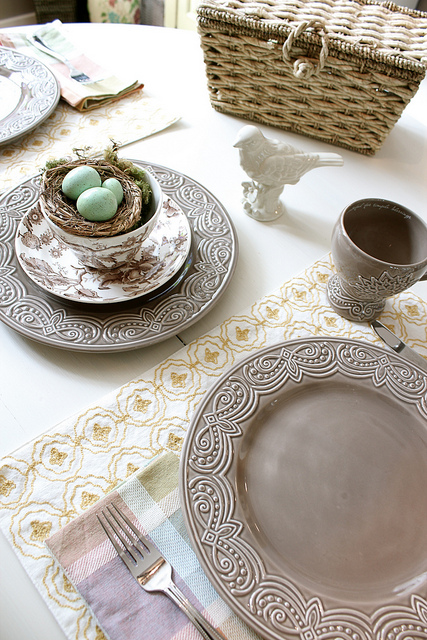 Decorating Tables for Spring