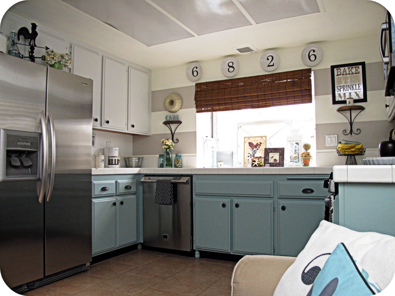 Room decorating before and after makeovers for Kitchen decorating ideas photos