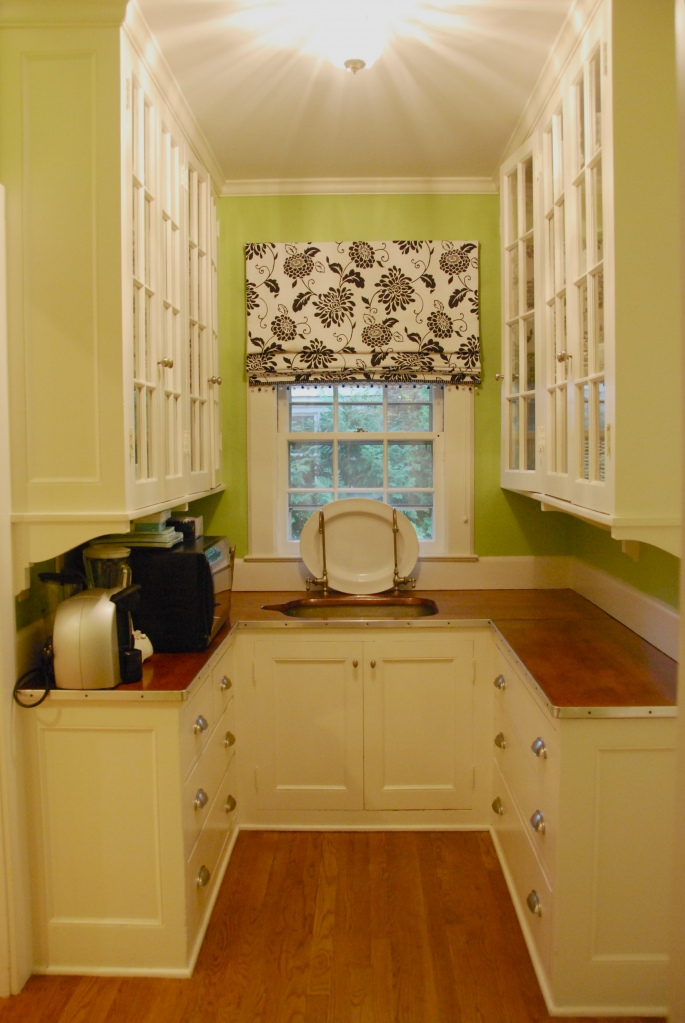 Room decorating before and after makeovers for Cute small kitchen ideas