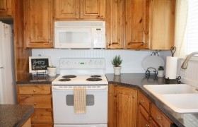 DIY Beadboard Backsplash Makeover {Country Girl Home}