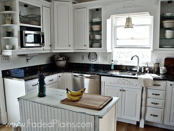 White Kitchen Makeover {Faded Plains}