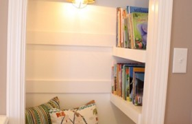 Reading Nook: An Adorable Closet Makeover {Thrifty Decor Chick}