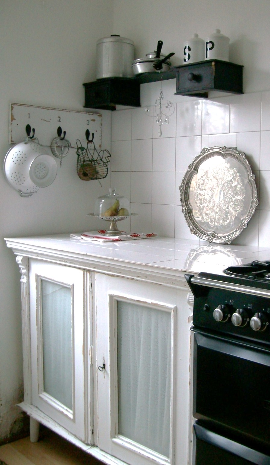 Room decorating before and after makeovers - Vintage kitchen ...
