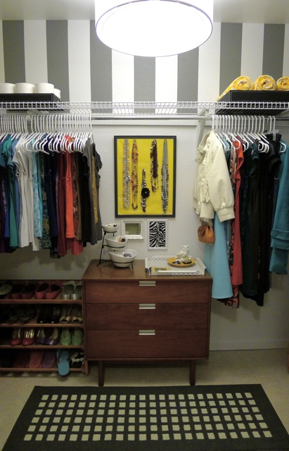 Stripes in the Closet {Welcome to Heardmont}