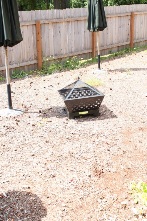 Simple Backyard Makeover: Family Fire Pit