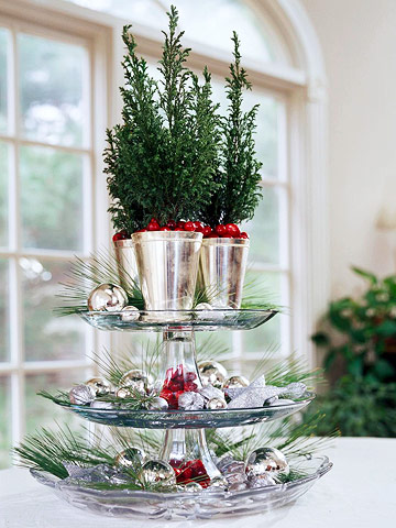 Small festive christmas trees ideas for christmas for Better homes and gardens christmas decorating ideas