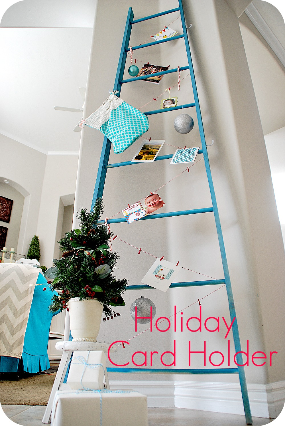 Christmas Card Holder Ideas | Holliday Decorations