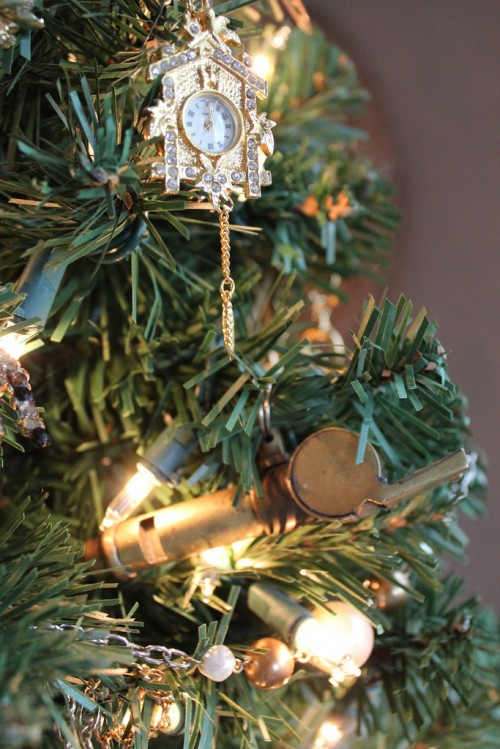 O Christmas Tree {Heirloom Jewelry Christmas Tree} - The Inspired Room