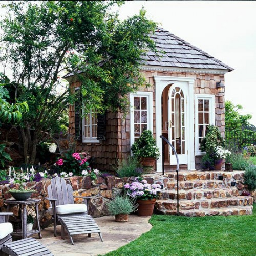 gorgeous summer house backyard getaway