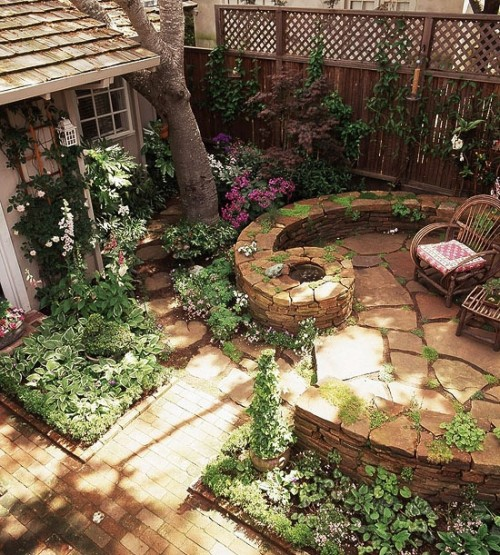Inspiration create a summer oasis the inspired room for Creating a small garden