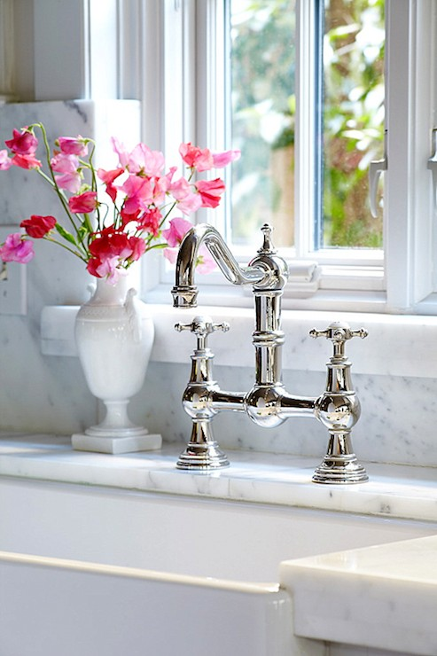 Choosing a kitchen sink and faucet