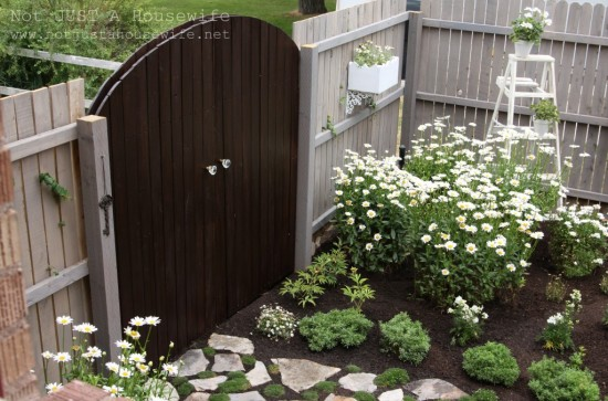 How to Create a Secret Garden {Not Just a Housewife}