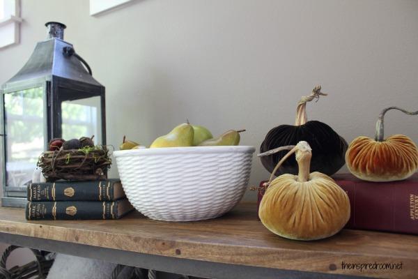Plush Velvet Pumpkins {Fall Decorating Ideas & Giveaway}