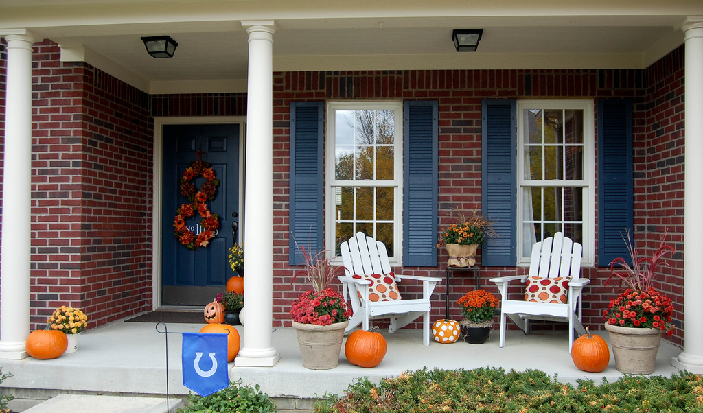 Fall decorating around blogger 39 s houses the inspired room - Fall front porch ideas ...