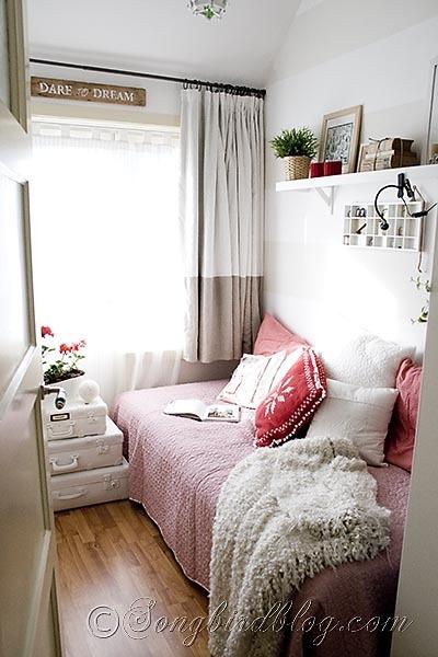 Red & White Reading Room {Songbird}