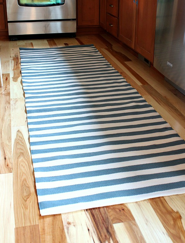 A Painter and Dash & Albert Rug {A Kitchen Update!}