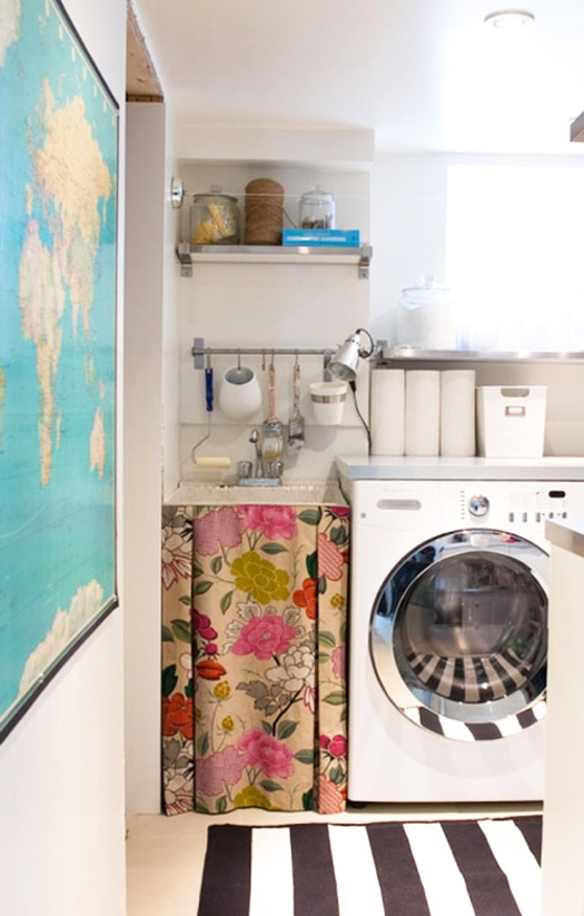 Pretty-colorful-laundry-room-with-map-and-striped-rug