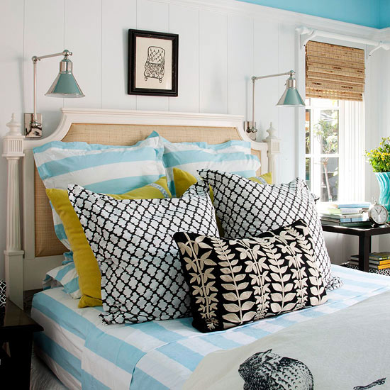 Make Decorative Pillows Bedroom : {Decorating} Mixing and Layering Patterns and Colors - The Inspired Room