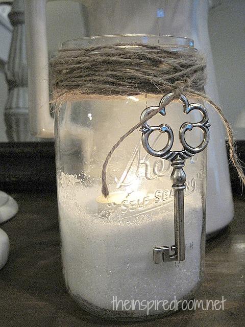 Easy Valentine's Day Mason Jar Craft {Key to My Heart}