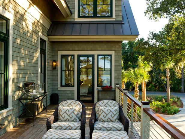 hgtv dream home siding and black window trim