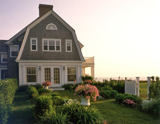 Weekend dreaming nantucket the inspired room for Nantucket shingle style
