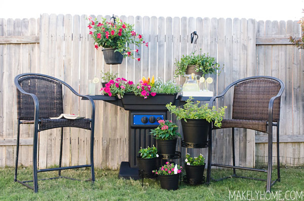 DIY Garden Projects: Grill Turned Planter