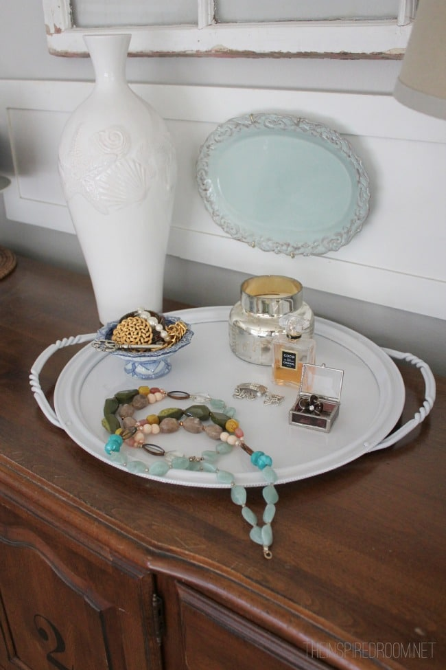 Decorating DIY {Ditto DIY Tray Project!}