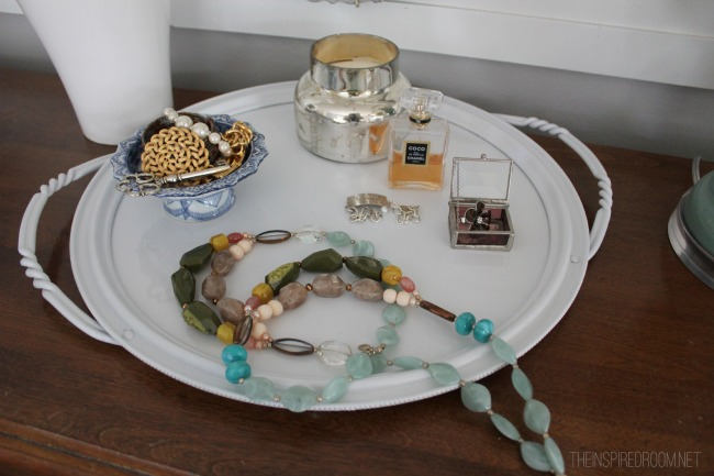Decorating DIY {Ditto DIY Tray Project!}