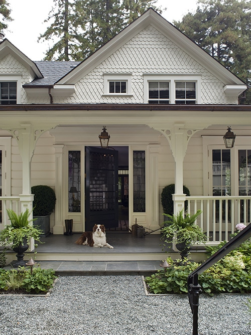 Stunning white farmhouse cottage (wendy posard)