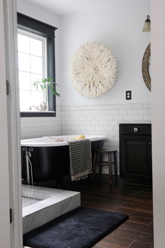 Inspired Rooms Clic Black And White Bathroom