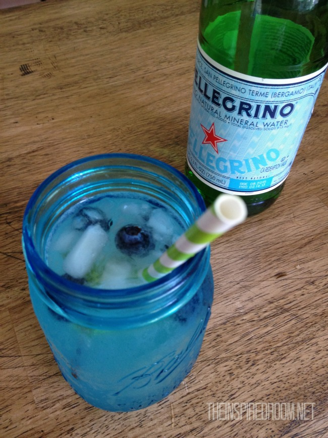 blue mason jar summer drink