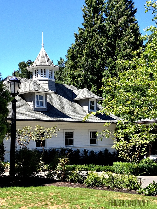Perfect Carriage House {Drive By}