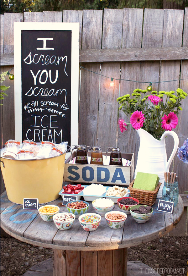 Backyard ice cream party summer fun the inspired room for Backyard party decoration ideas