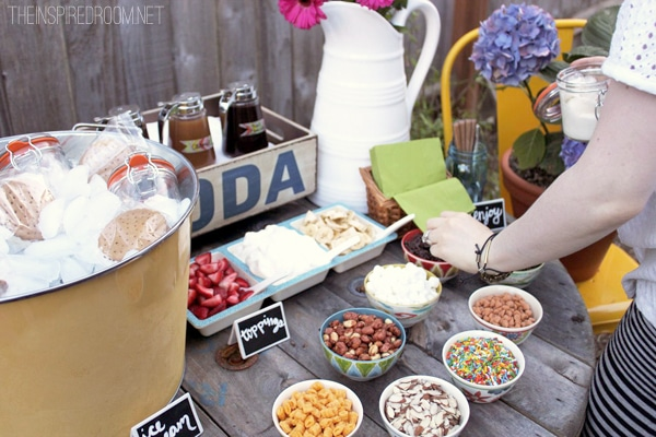 summer party spool table
