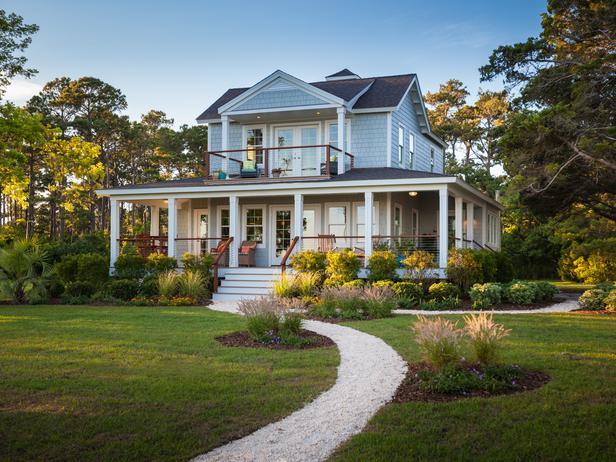 Coastal Cottage House Video Tour {2013 Blog Cabin}