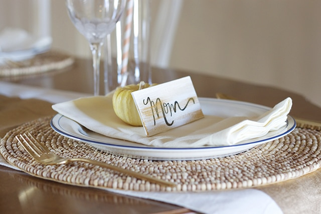 Gold DIY Place Cards for Thanksgiving Table