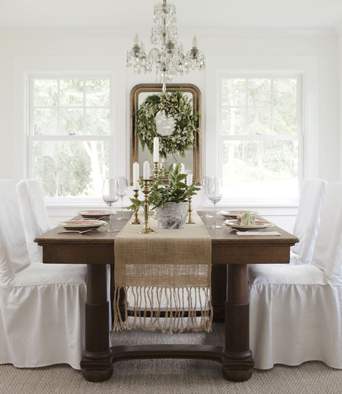 Simple christmas decorating ideas why i decorate early for Ideas to decorate dining room table for christmas