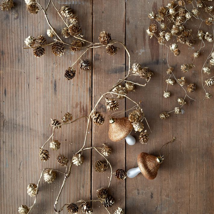 gold pinecone garland