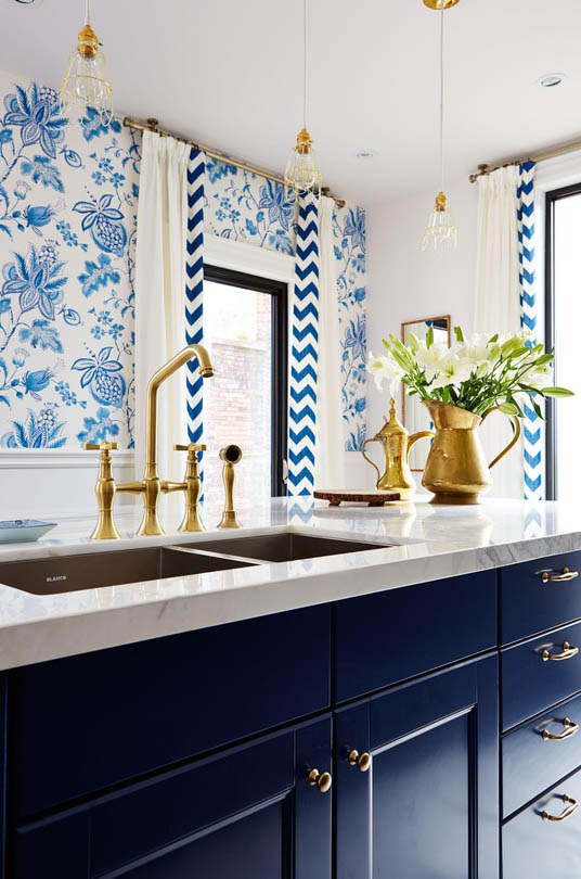 Wallpaper in the kitchen - Sarah Richardson Design