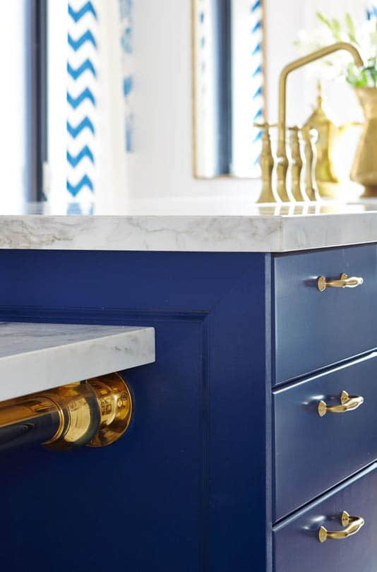 Sarah Richardson S Royal Blue Gold And White Kitchen