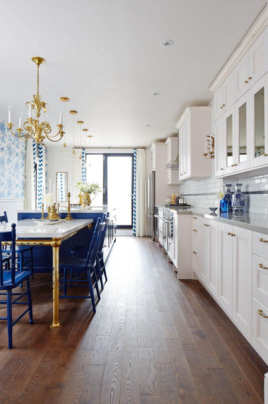 sarah richardson's royal blue, gold, and white kitchen - the